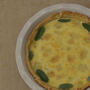 Brie Quiche With Pear & Prosciutto